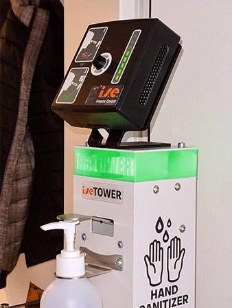 Der iseTOWER der isepos GmbH leuchtet grün